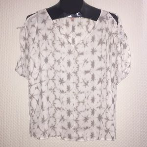 🍏 Juicy Couture Blouse 🍎